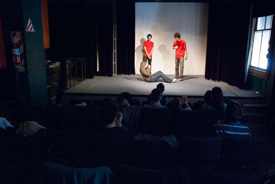 Teatro en ISER